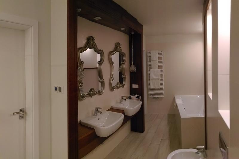 apartament pokoje henlex biały dom
